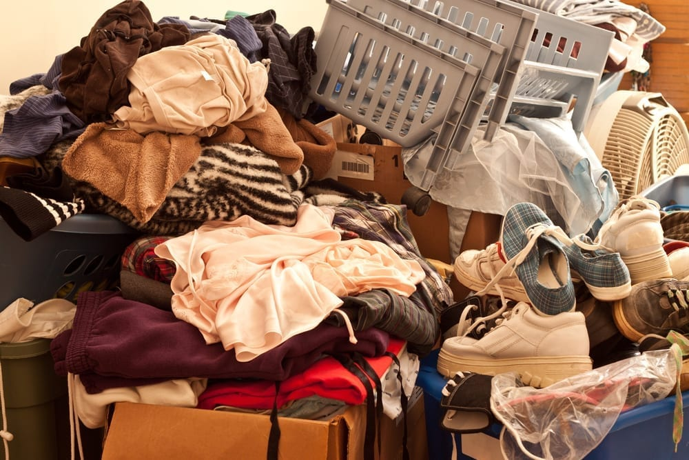 How to declutter a messy house.