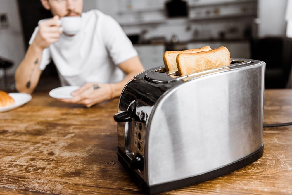 HOW TO CLEAN A TOASTER