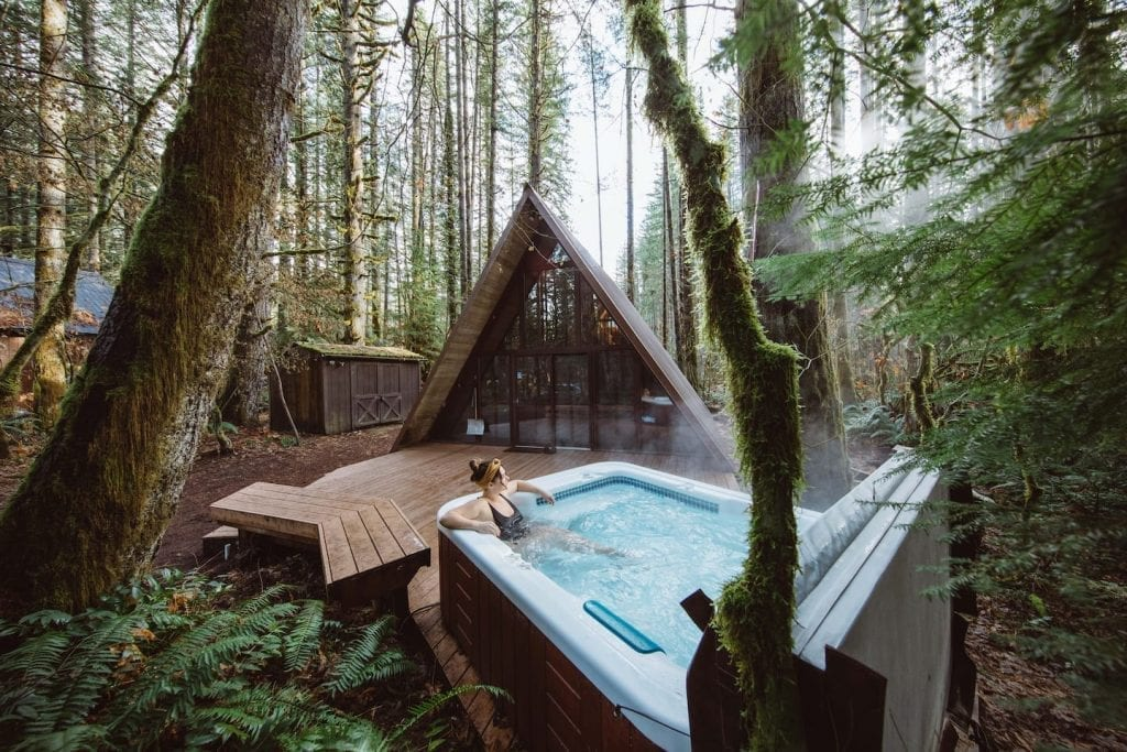 A frame cabin for rent in Washington